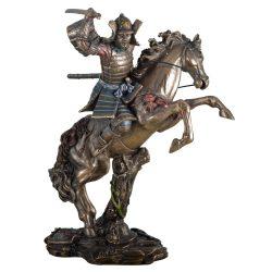 Szamuráj harcos lóval