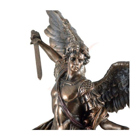 Michael szobor