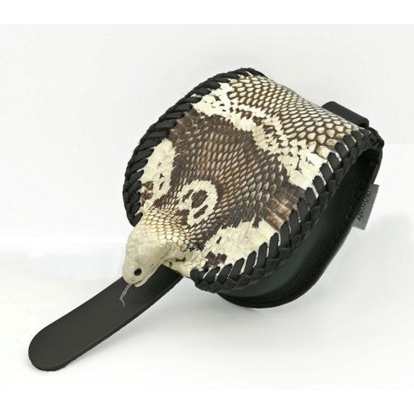 Kígyóbőr tarsoly