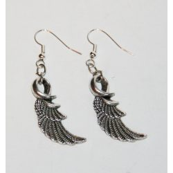 Angel wings earring
