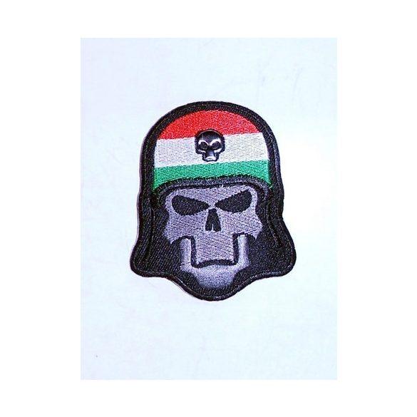 Magyar zászlós koponya felvarró