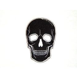 Fekete koponya felvarró