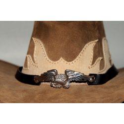 Sasos kalapdísz