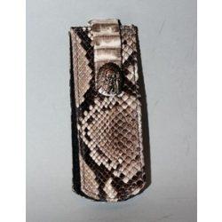 Kígyóbőr telefontartó