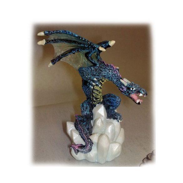 Kis színes sárkány dísz