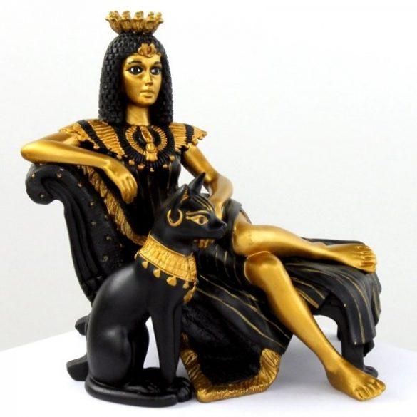 Kleopátra szobor